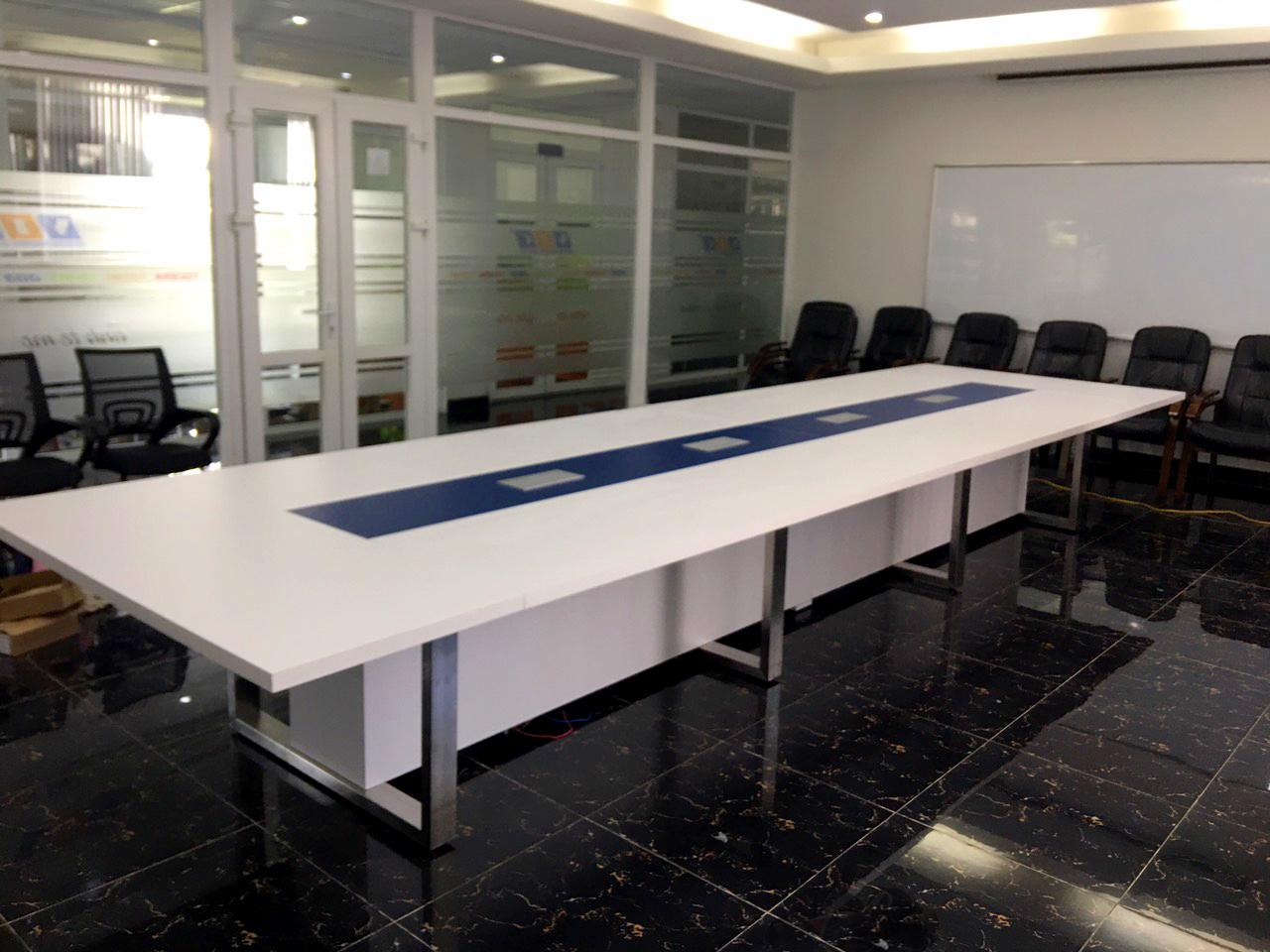 Bàn họp lớn hiện đại sang trọng CNC 04 5