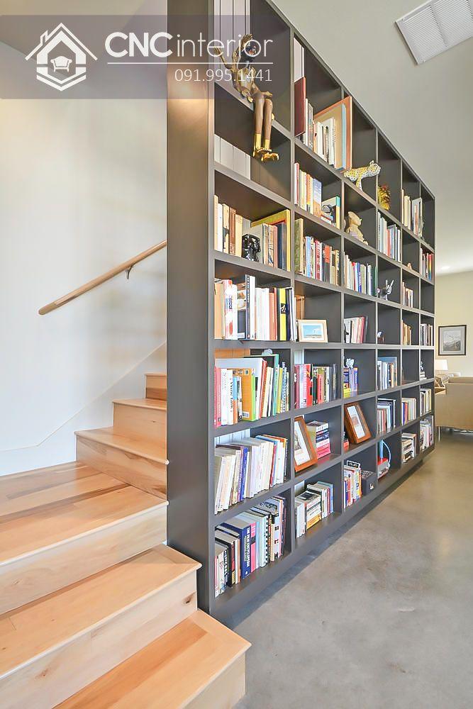 Ý tưởng thiết kế tủ sách văn phòng thành vách ngăn cầu thang
