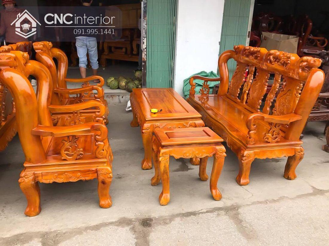 Bộ bàn ghế sofa được làm bằng gỗ xà cừ