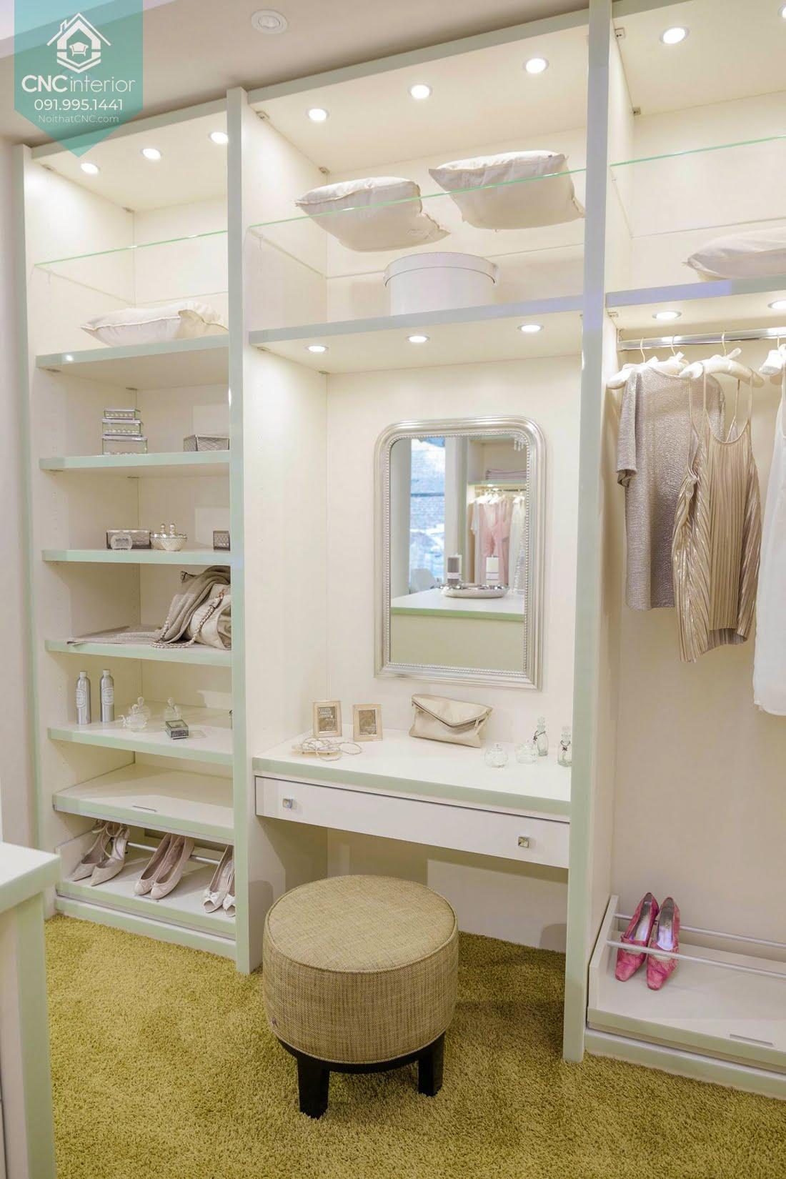 Tủ quần áo kết hợp bàn trang điểm 12