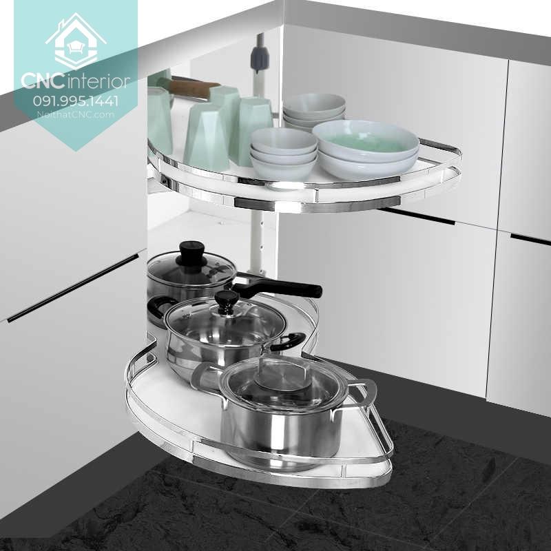 Dễ dàng lấy xoong nồi với nội thất bếp thông minh dùng mâm xoay