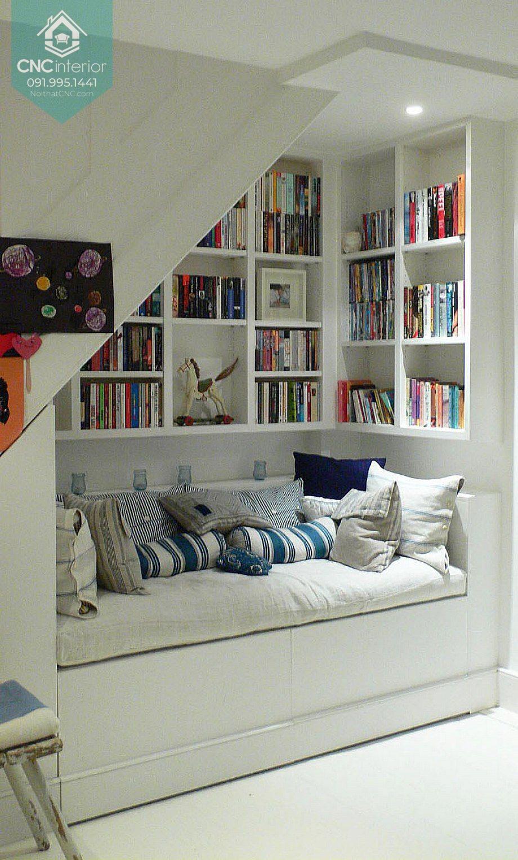 Trang trí gầm cầu thang đẹp với góc đọc sách