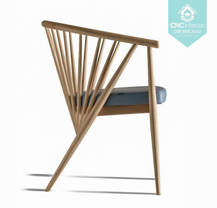 20 Genny Chair 1