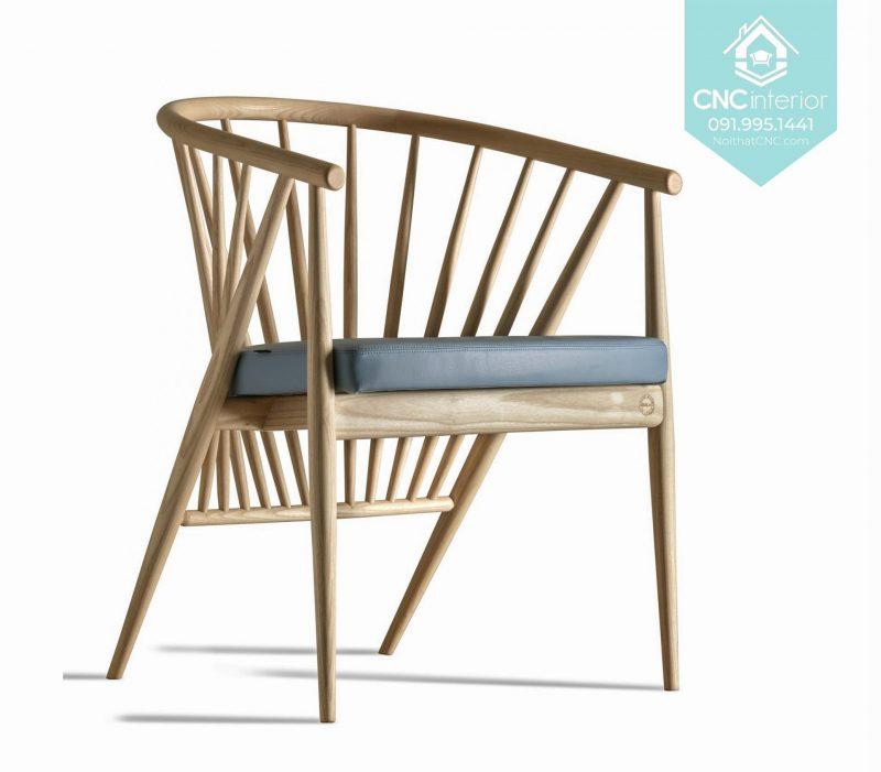 20 Genny Chair 2