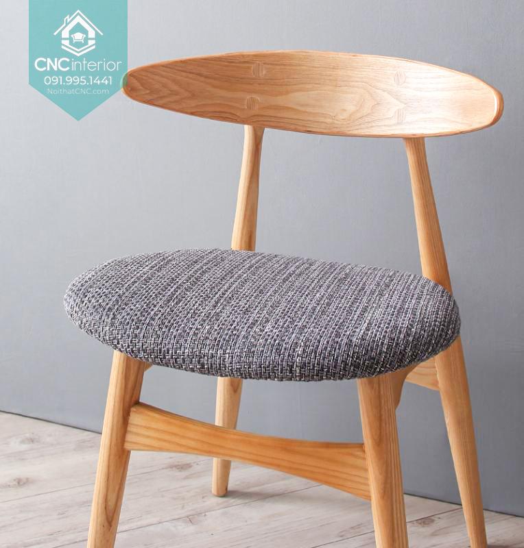 25 Telyn chair 6