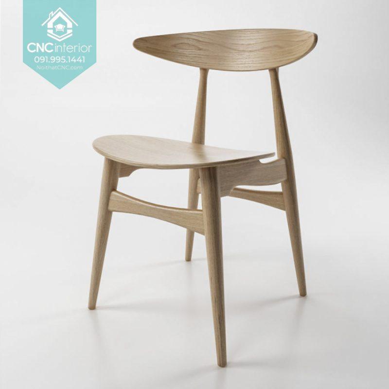 25 Telyn chair 8