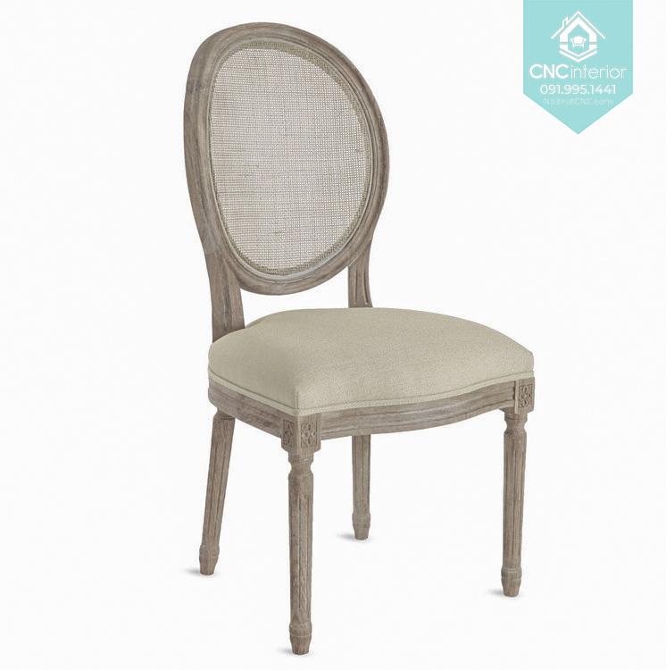 46 Louis chair 2