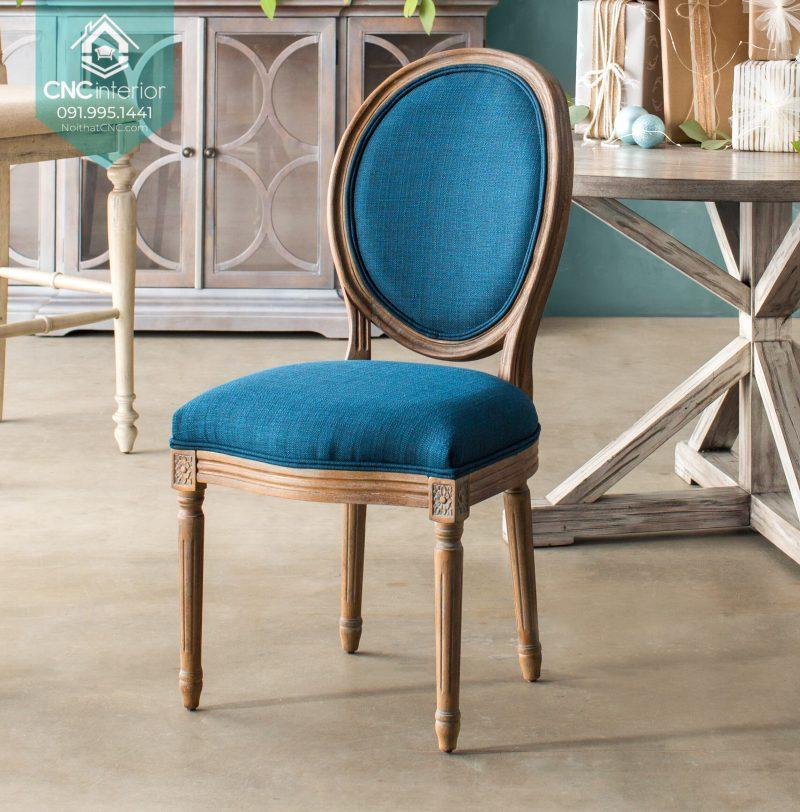 46 Louis chair 4