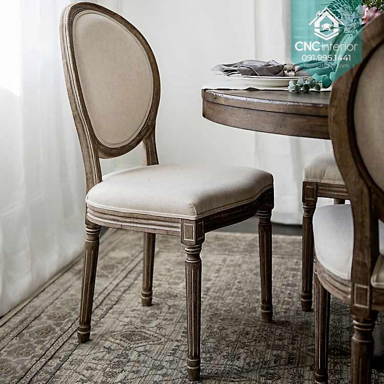 46 Louis chair 7