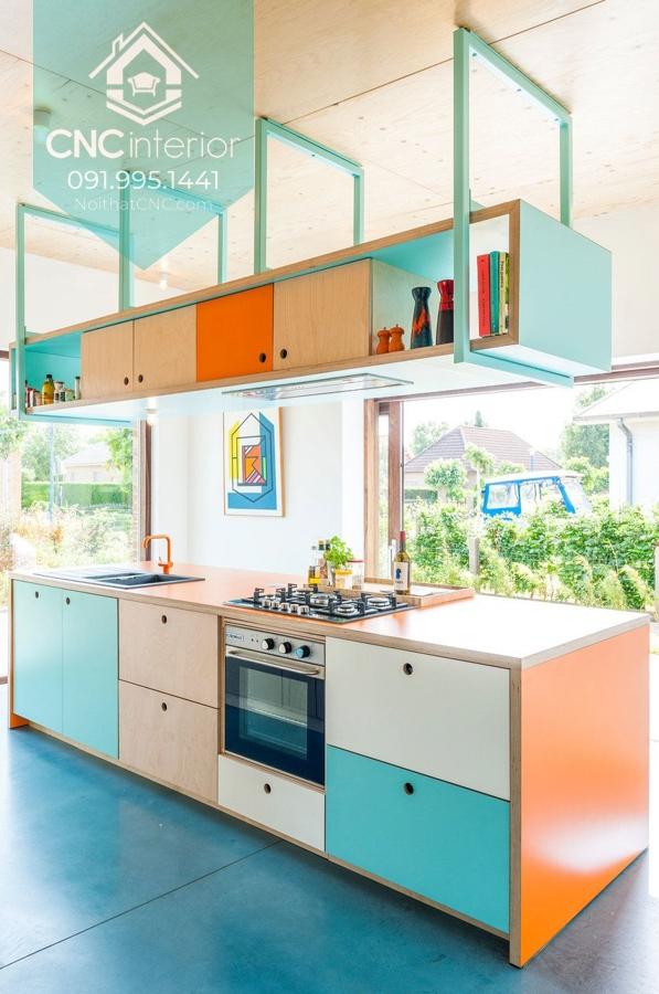 Nếu bạn muốn ấn tượng hơn thì có thể sử dụng mẫu tủ bếp này