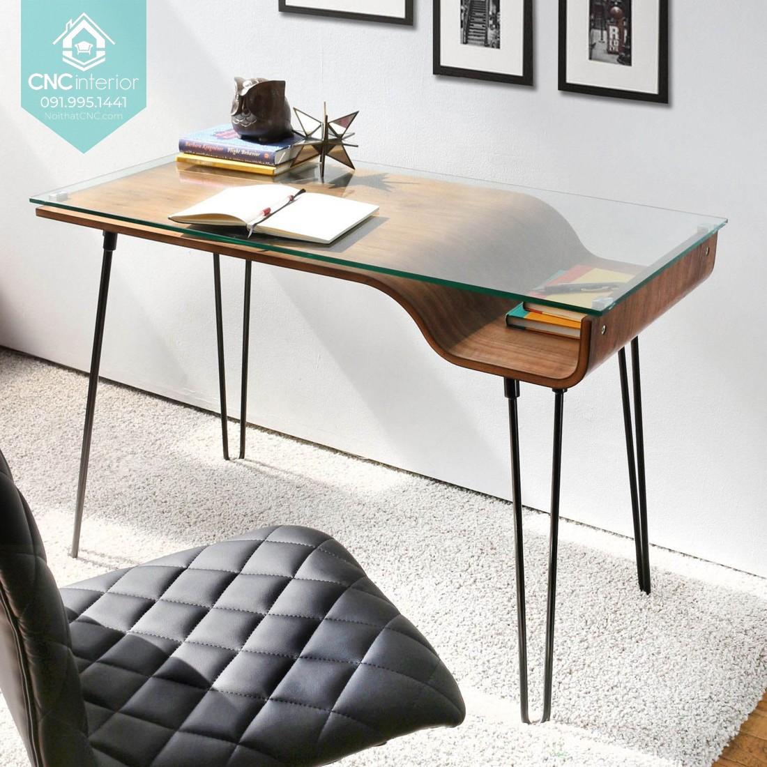 Mẫu bàn làm việc tại nhà sử dụng kết hợp nhiều chất liệu khác nhau
